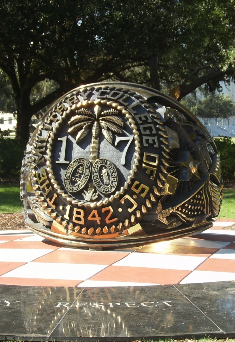 13-ring-statue