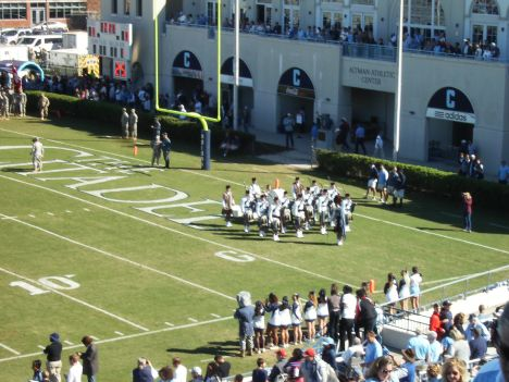 33-pipe-band-and-cheerleaders
