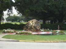 6 - Ring Statue